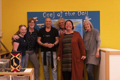 Micael Hermansson met leerkrachten