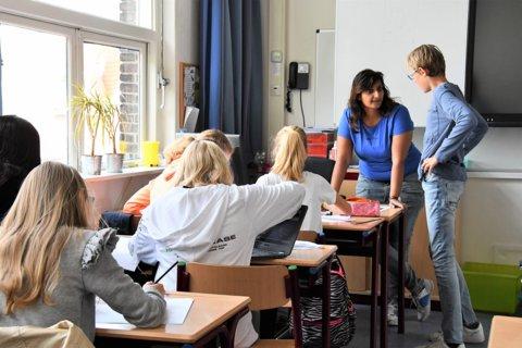 Gastdocenten geven onderwijs