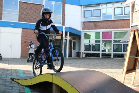's Middags waren op het schoolplein verschillende activiteiten.