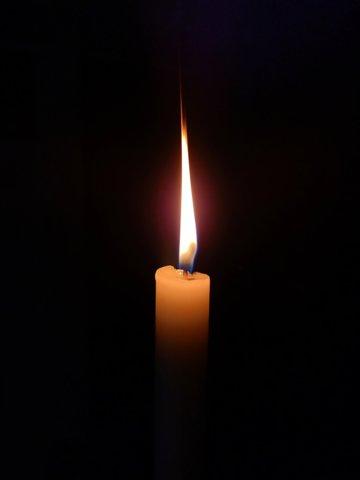 Vanavond branden we een kaarsje Marc Ignacio-unsplash