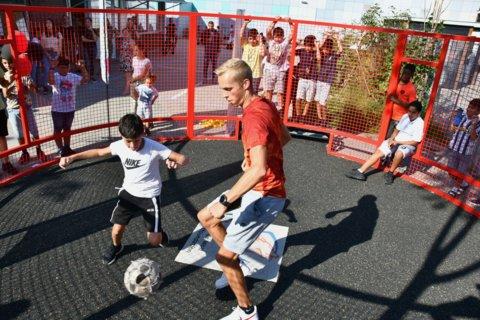 Daarna speelden de kinderen een toernooitje tegen elkaar en tegen de leerkrachten